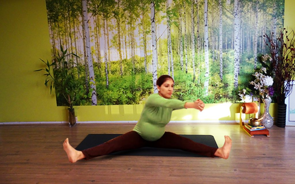 Prenatal Yoga Weekdays - GEMS OF YOGA
